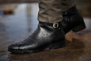 water-resistant-black-leather-shoes