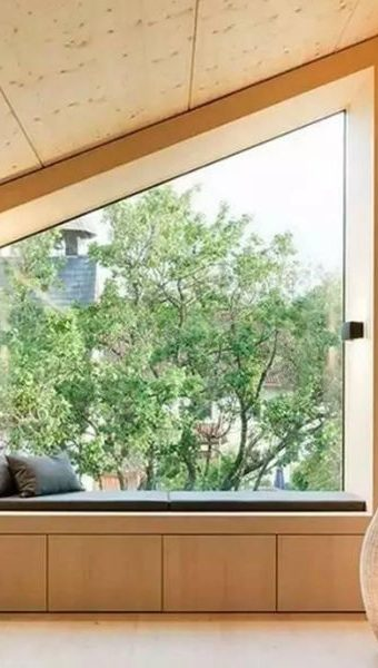 waterproof-wood-window-rotting-rain-wet
